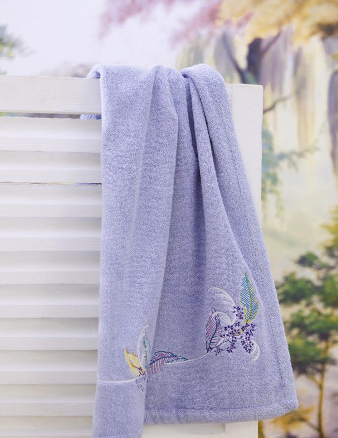 Махровое полотенце Yves Delorme, коллекция Plume.